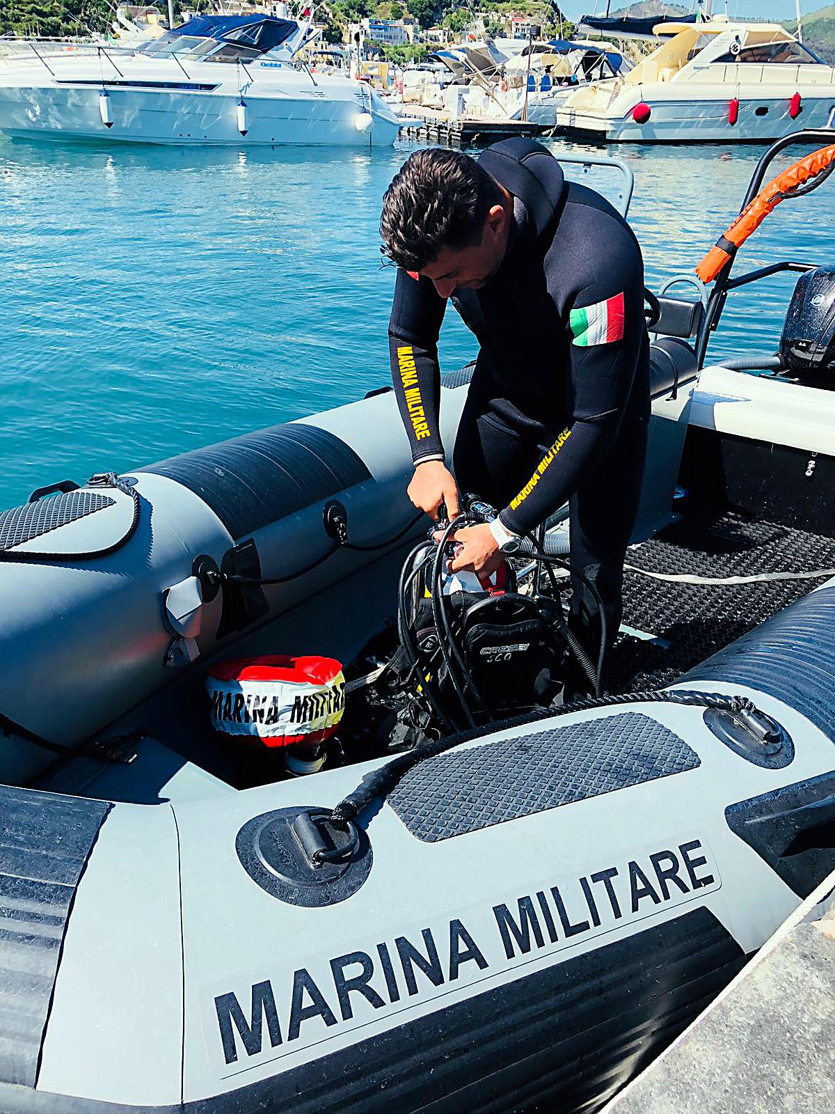 Calendario Marina Militare 2020.Ischia News Ed Eventi Marina Militare I Palombari Della
